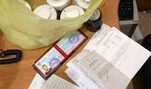 В Архангельске задержали подозреваемых в мошенничестве, которые наживались путём обмана пожилых людей