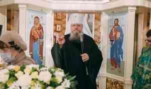 Митрополит Корнилий 8 марта совершил Литургию в архангельском храме блаженной Матроны Московской