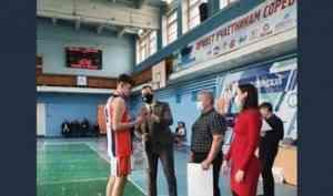 Команда Новодвинска - победитель турнира по баскетболу на призы заслуженного мастера спорта России Сергея Быкова