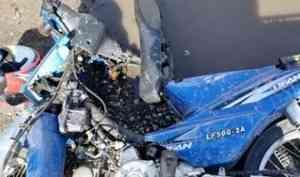 В Вельске подросток на мопеде врезался в микроавтобус и попал в больницу