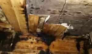 В Поморье пожарный спас человека из горящего дома, находясь на выходном