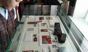 Ко Дню Победы в Каргополе проходят традиционные выставки и события с погружением в эпоху