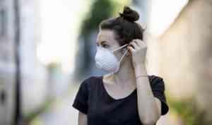 В Поморье лечение от COVID-19 продолжают менее 2500 человек