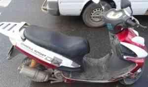 В Архангельске мужчина упал со скутера и оказался в больнице