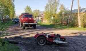 В Котласском районе мотоциклист въехал в лесовоз