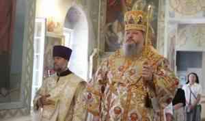 Митрополит Корнилий 12 июня совершил всенощное бдение в Архангельске