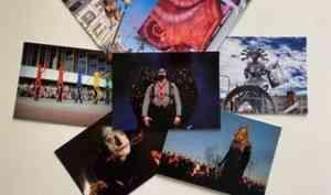 Почта России бесплатно доставит открытки с Фестиваля уличных театров