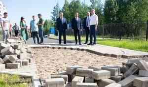 Ваге Петросян распек строителей детсада в Майской Горке