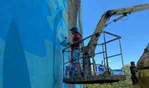 «Северный Дербент»: монументальные картины появляются на домах Северодвинска