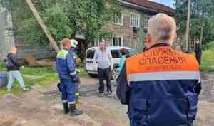 Из-за очередного падения дома в Архангельске без жилья остались 30 человек