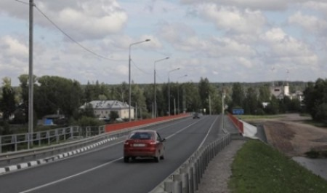 Работы по реконструкции моста через реку Вага в Вельском районе завершены