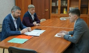 Дмитрий Рожин обсудил с главами Вельского и Коношского района развитие муниципалитетов