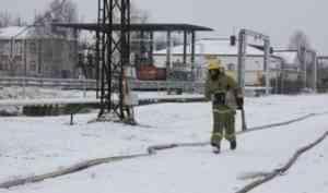 На Котласской нефтебазе прошли учения по тушению условного пожара