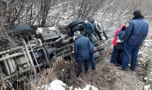 В Приморском районе Поморья перевернулся КАМАЗ с газом