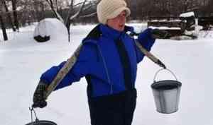 «Колонку? Ждите 2 года». Жители окраины Архангельска живут без воды