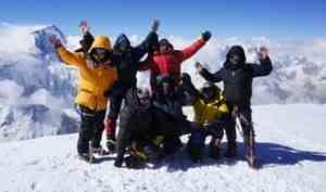 Альпинисты Поморья в этом году взошли на все семитысячники бывшего СССР