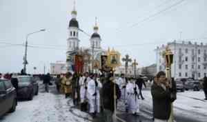 В столице Поморья состоялся крестный ход с мощами святителя Луки (Войно-Ясенецкого)