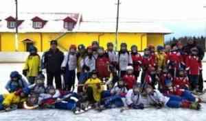 Открыли хоккейный сезон дружескими встречами