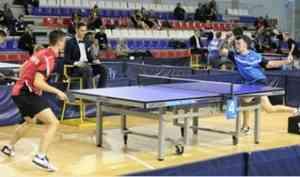 В Архангельске молодые теннисисты России борются за место в сборной страны