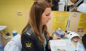 Архангельские судебные приставы отправились наращивать волосы, чтобы поймать должницу