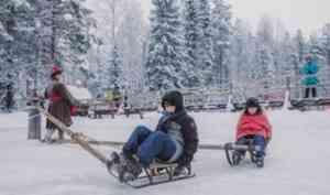 В «Малых Корелах» начали устраивать традиционную зимнюю забаву – ледовую карусель