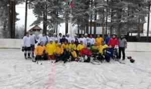 В деревне Наводово – новый хоккейный корт!