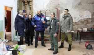 Игорь Орлов оценил ход ремонтных работ в каргопольском зональном центре