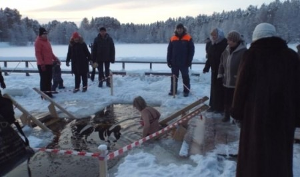 В Крещенских купаниях поучаствовали восемь тысяч жителей Поморья