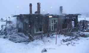 В Вельском районе в горящем доме погибла женщина