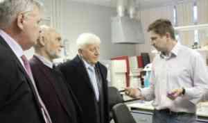 Представители ЦНИИ КМ«Прометей» познакомились снаучным потенциалом САФУ