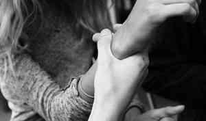 Архангелогородец, желая выяснить отношения с девушкой, сломал руку её матери