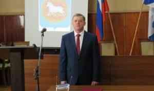 Чиновник, против которого митинговали жители Каргополя, взялся за уборку Ярославля