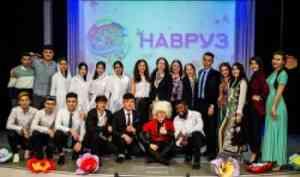 Студенты встретили весну праздником Навруз