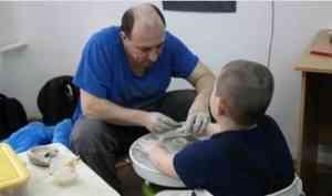 В коррекционном центре «Азимут» детям-аутистам помогают адаптироваться к самостоятельной жизни