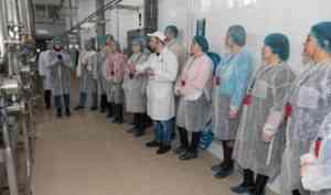 Чисто как в роддоме: специалисты отрасли посетили Архангельский молокозавод