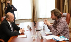 Губернатор Архангельской области Игорь Орлов встретился с корреспондентом французской газеты Les Echos