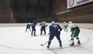 После длительного перерыва в Архангельске стартует чемпионат по хоккеею