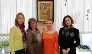 Северяне помогли украсить к Пасхе игровую комнату Архангельской детской областной больницы