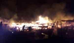 В Шенкурском районе на пожаре погиб мужчина, 22 человека остались без жилья