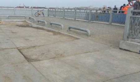 Строители причала на Хабарке за свой счет восстановят провалившиеся плиты