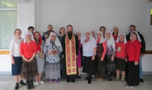 Епархиальное сестричество поздравило пациентов архангельской больницы с Пасхой